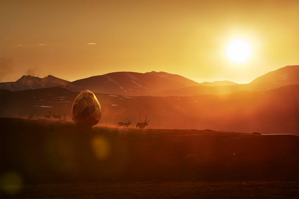 Bastu i solnedgång i Kiruna