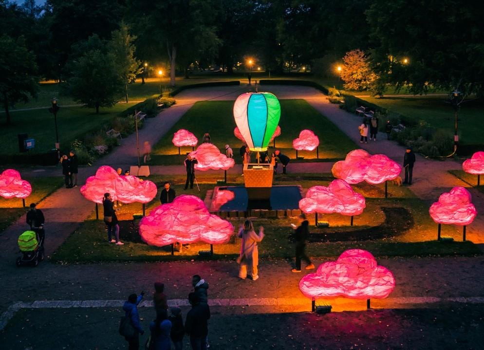 Rosa himmel - Ljuskonst i Alingsås